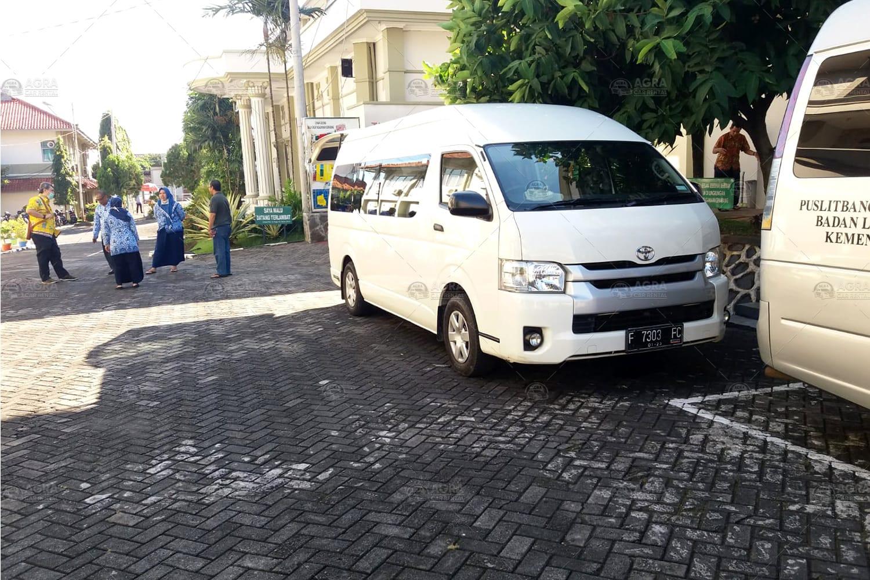 Sewa Hiace Jakarta